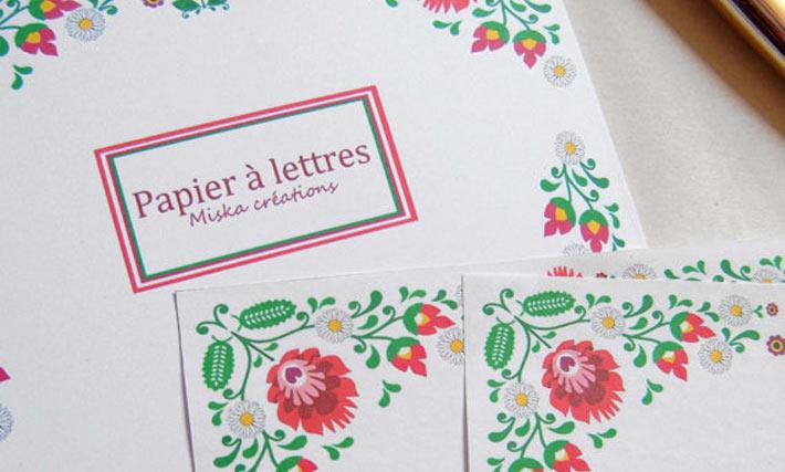 Papier à lettre à fleurs