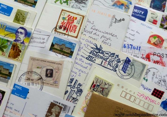 Des cartes postales par millier