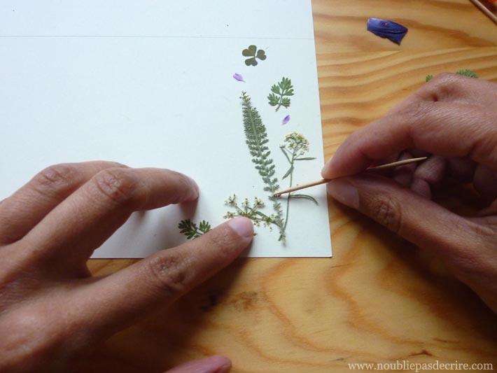 ]Tuto papier à lettre disposer ses fleurs